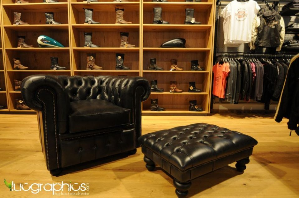 WILLIAM CHAIR AND FOOTSOOL IN CRACKLE BLACK LEATHER